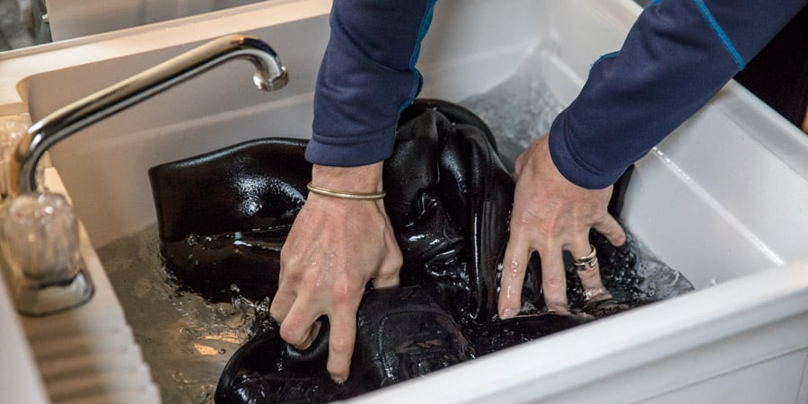how to wash a wetsuit